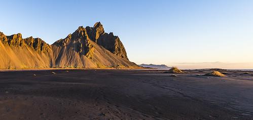 mountains landscape sunrise dawnlight blacksand dunes vestrahorn vesturhorn stokksnes stokkness stokknes canonef1124f4l canon5d3 iceland hofn kambhorn xex