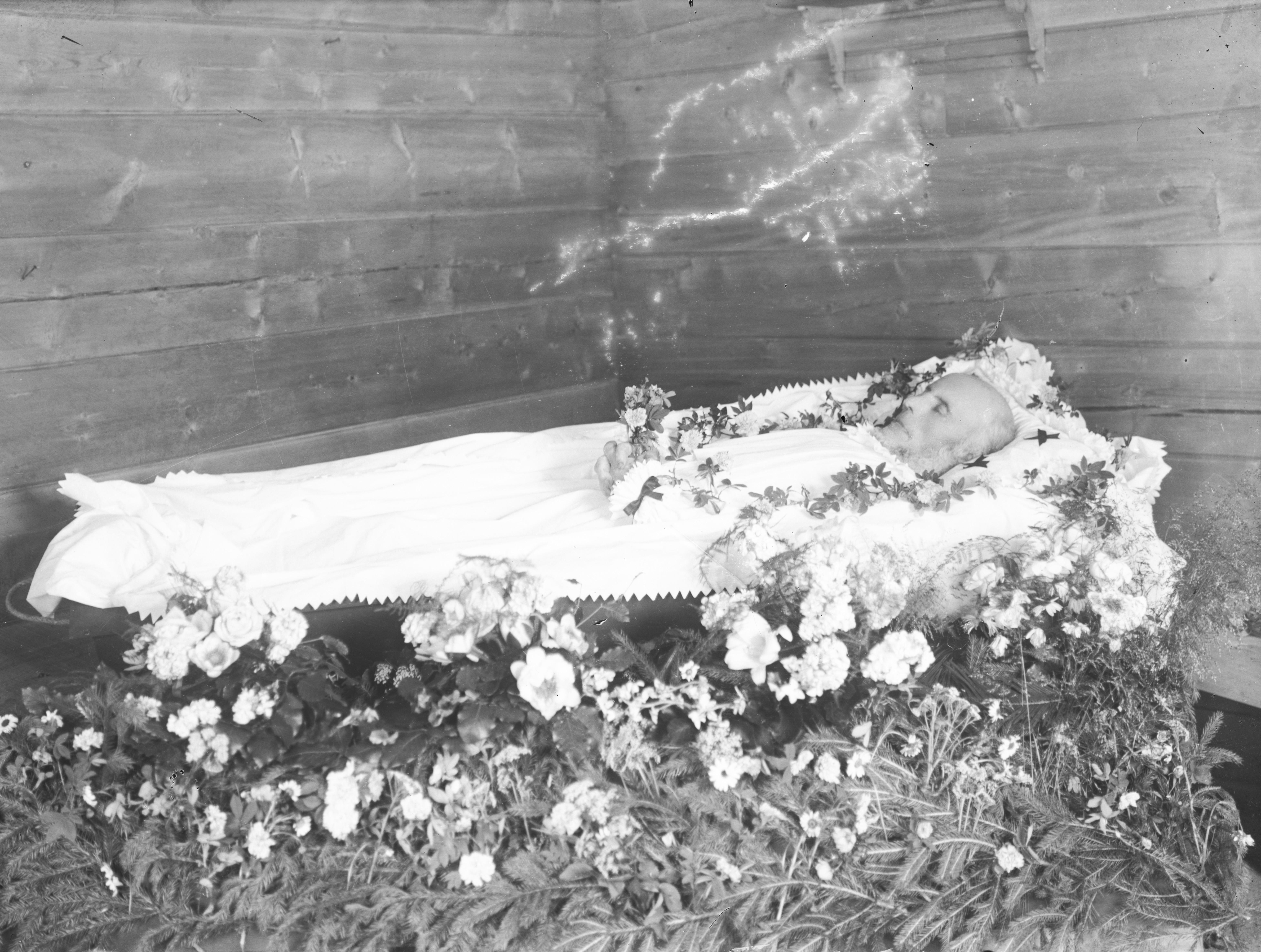 Post mortem portrait of a man, ca. 1910-1930