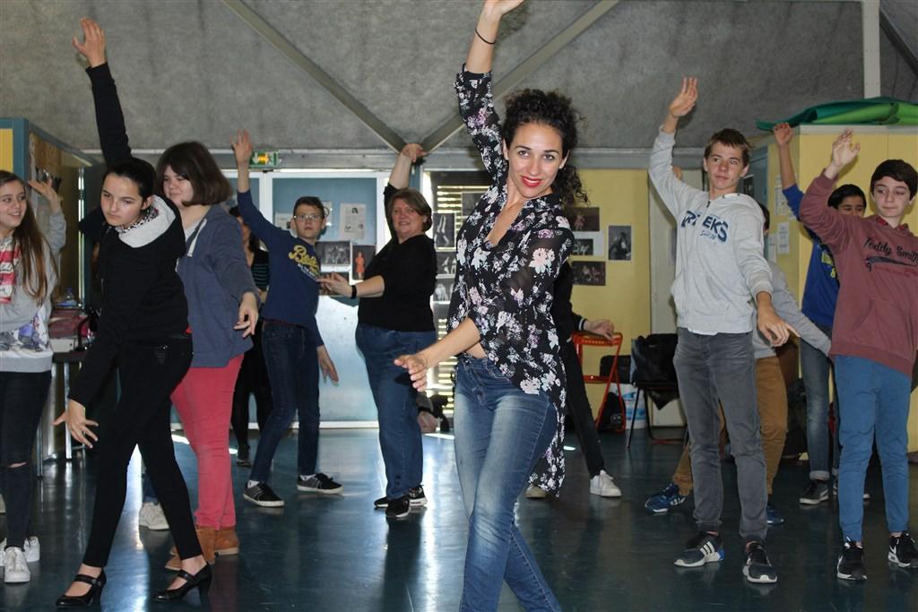 Atelier d'initiation au flamenco avec les collégiens de Saint-Sever