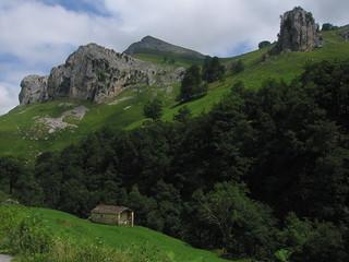 Valle de Cabuérniga. Bárcena Mayor (Cantabria)