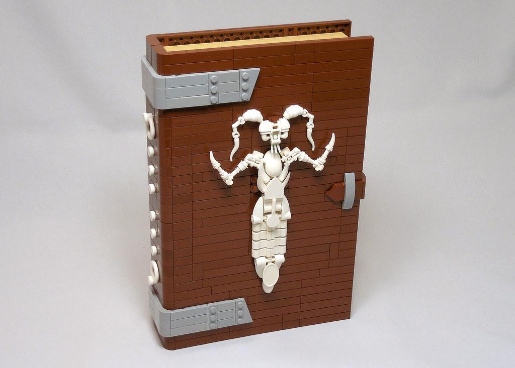 Unaussprechlichen Kulten (custom built Lego model)