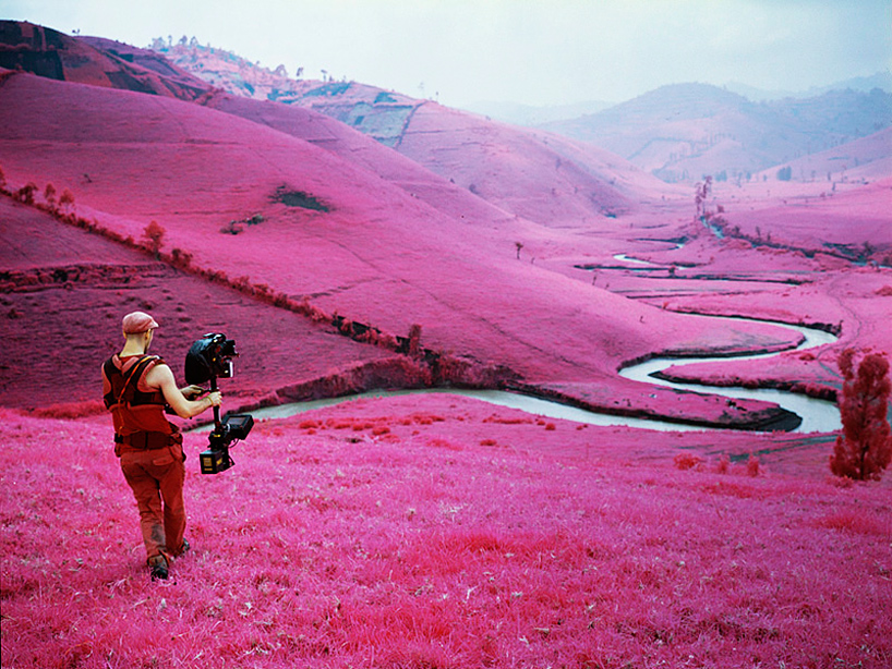 richard-mosse-at-venice-art-biennale-designboom3