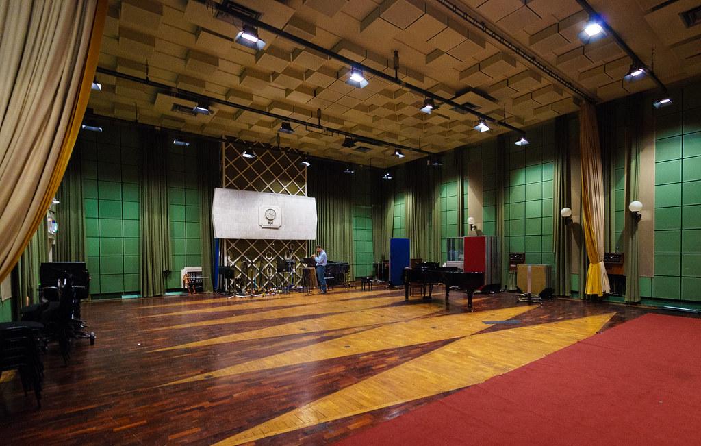 BBC Maida Vale Studio MV3 (Photo: <a href='https://www.flickr.com/photos/belowred/9099847161'>Nick Garrod, Flickr</a>)