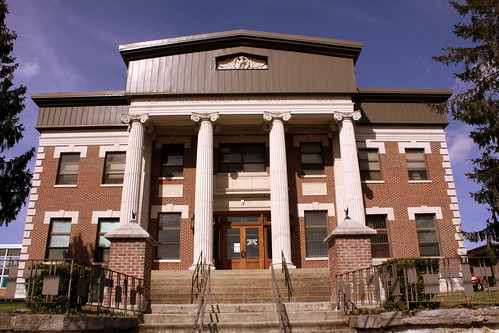 Campbell County Courthouse - Jacksboro, TN