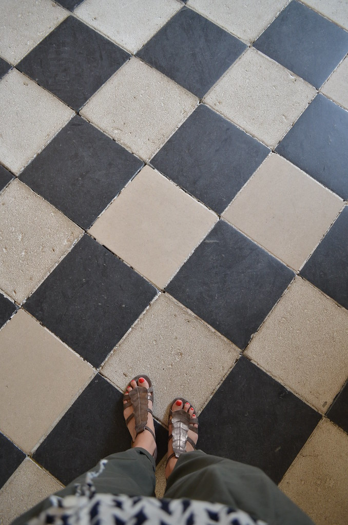 Chateau de Chenonceau black and white floor tiles and shoes
