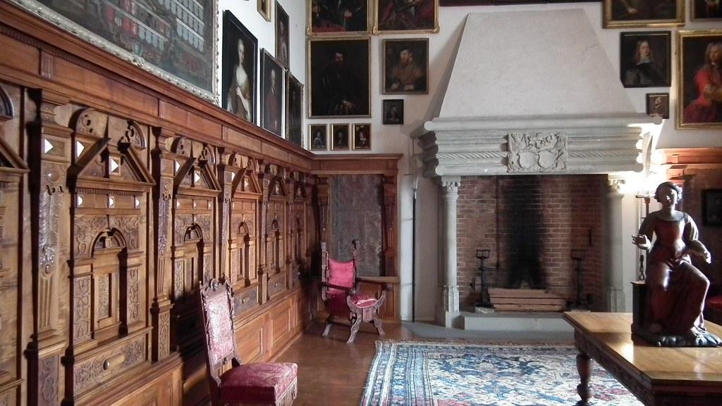 Panneling inside Oberhofen castle