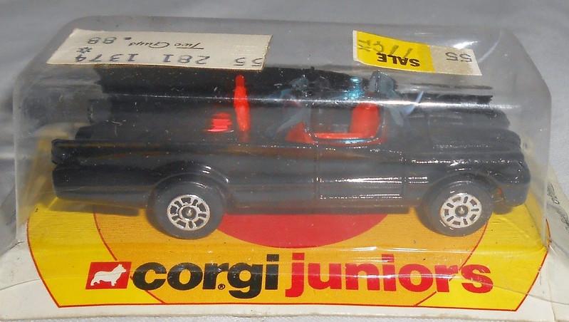 batman_corgijr_batmobile