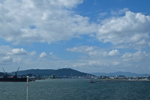 徳島港に入港