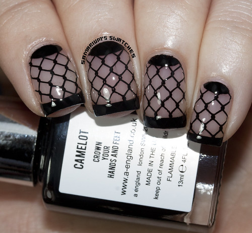 Fishnet French Manicure  (1)