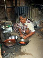 Taung Bi Village cook
