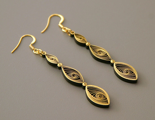 quilled drop earrings tutorial by Ann Martin