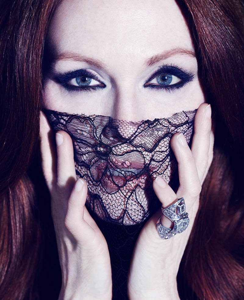 800x982xjulianne-moore-shoot5.jpg.pagespeed.ic.kygrQe-5Et