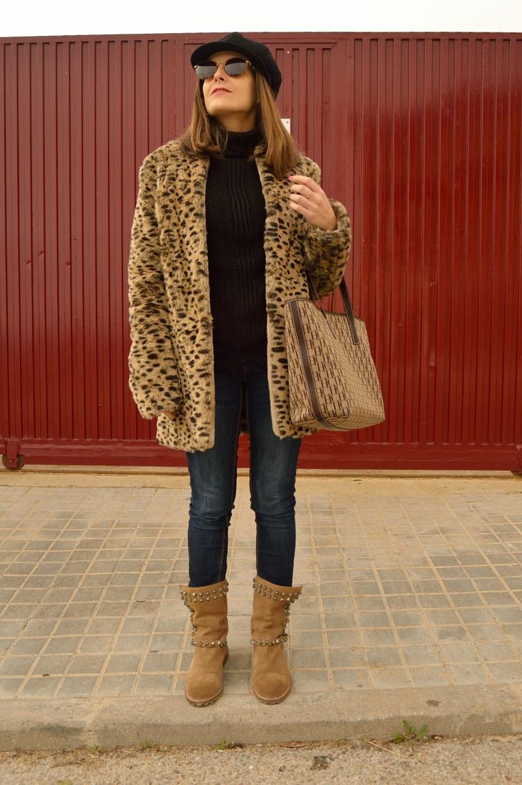 lara-vazquez-madlula-style-leopard-coat-brown-black-look