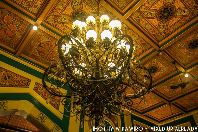 Indonesia - Medan - Maimoon Palace - The chandelier