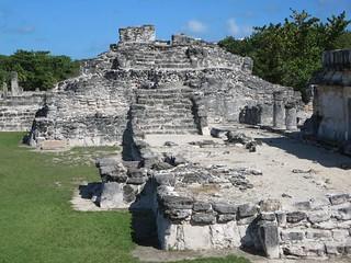 Obrázek Zona Arqueológica El Rey. mexico pyramid cancun