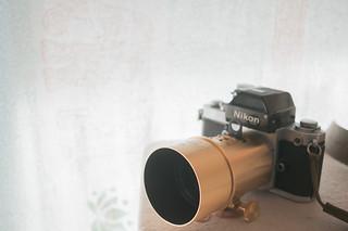 Nikon F2+Petzval