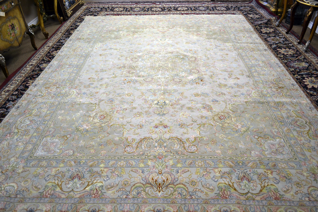 Novinfar Tabriz Silk Base Persian Rug