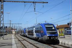 UM2 X 73500  -  Gare de Bourg-en-Bresse
