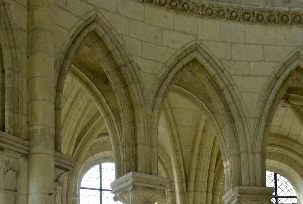 Soissons (Aisne), la cathédrale, transept roman