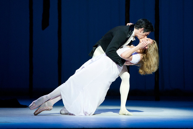 Zenaida Yanowsky and Federico Bonelli in Marguerite and Armand © ROH/Tristram Kenton, 2013