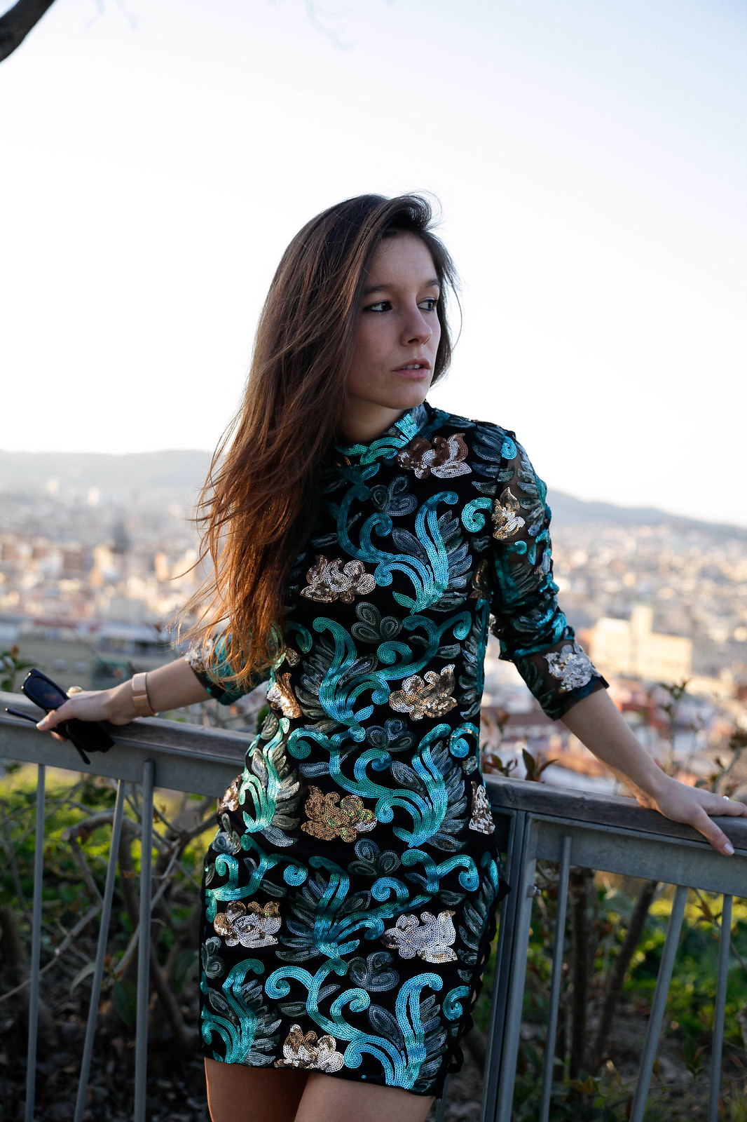 07_Green_sequins_dress_outfit_the_guest_girl_theguestgirl_laura_santolaria_fashion_blogger_danity_paris_influencer_barcelona