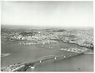 Aerial view from Birkenhead showing Harbour Bridge and city area