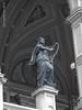 2016 June 13 - Staatsoper statue b