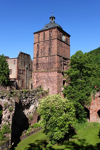 tower and ruins of Heidelberg Castle