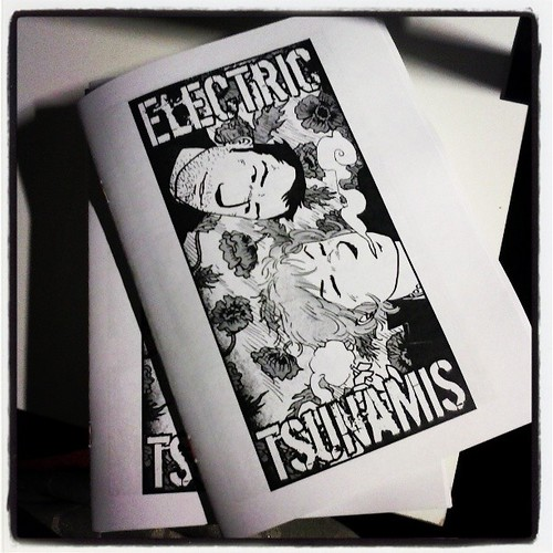 Of course it's not enough for me to present only the big fat Driftwood book as a new thing at the festival. I also made a zine with Electric Tsunamis, mainly because I want to see if I can sell more printed copies than Bonniers can sell electronic copies!