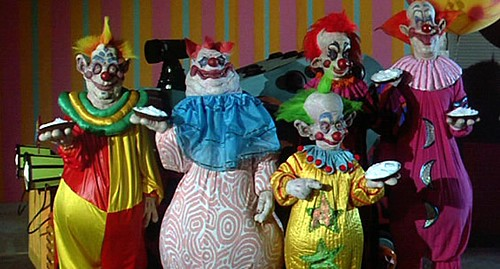 Killer-Klowns-from-Outer-Space-pies