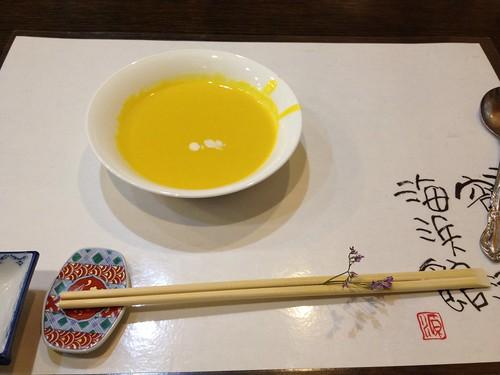 突き出しはスープ by haruhiko_iyota