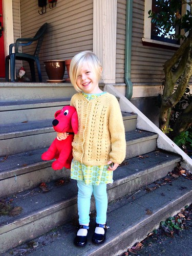 Sunday sweater & Clifford