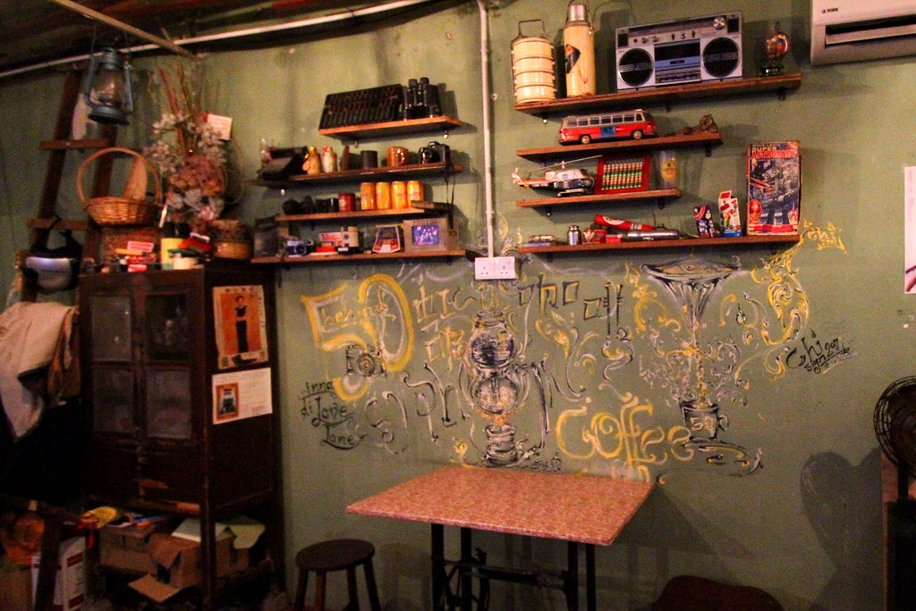 George Town Cafes: Behind 50's Mural Wall
