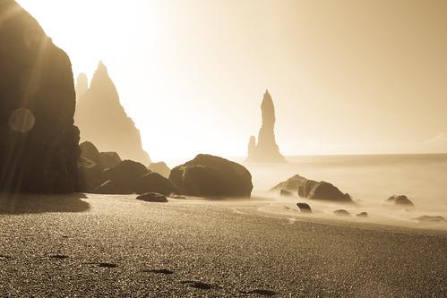 sunrise gold iceland south vik trolls reynisdrangar basaltcolumns