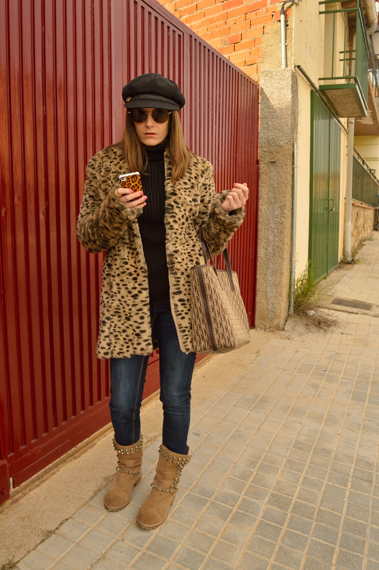 lara-vazquez-madlula-style-leo-coat-black-brown-outfit-leopard