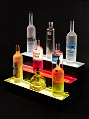 acrylic bottle holder for 6 bottles - www.liquorshelves.com