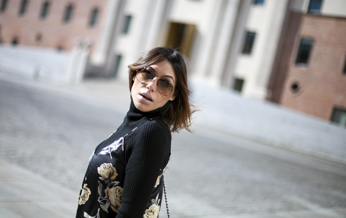street style barbara crespo floral dress with lace hem fashion blogger outfit