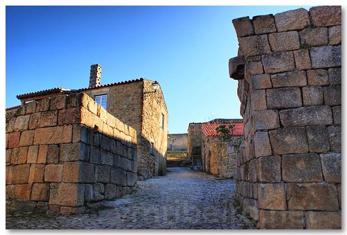 Aldeia histórica de Castelo Mendo by VRfoto