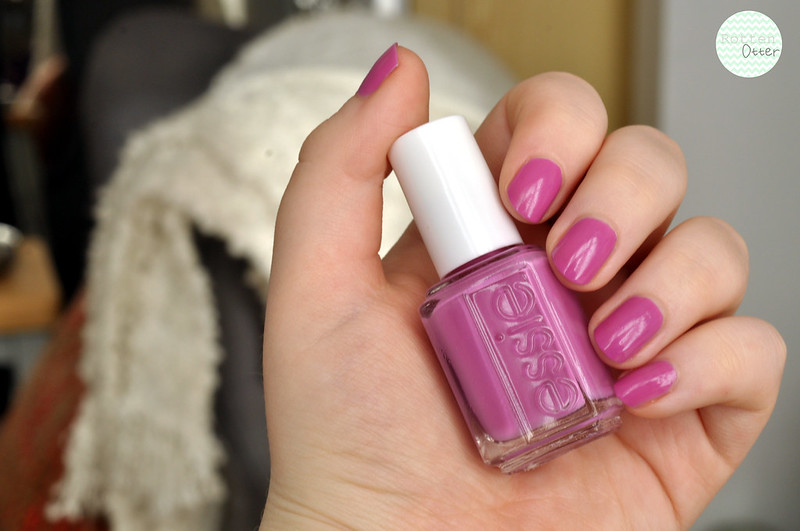 notd essie splash of grenadine nail polish rottenotter rotten otter blog