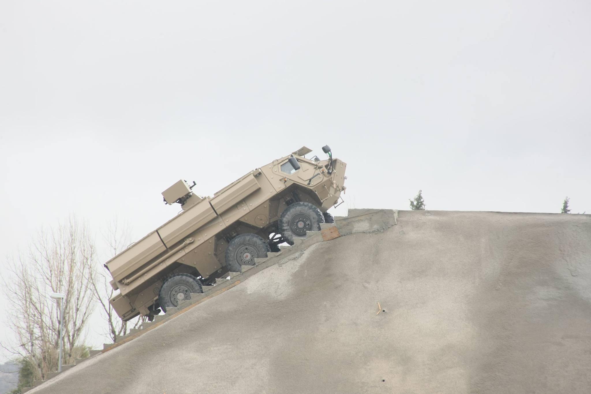 الصناعة العسكرية الجزائرية ... مدرعات ( فوكس 2 ) - صفحة 6 32312127123_55d9082f87_o