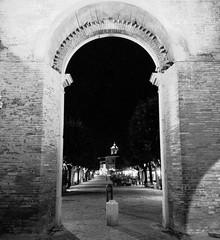 Via Carducci, centro storico di #senigallia vista da porta Lambertina. #night #cityscape #streetstyle #street #streetphotography #igers #igersitalia #igersmarche #igersancona #ig_marche #ig_italy #gf_italy #ig_ancona #loves_italia #loves_marche #vivo_ital