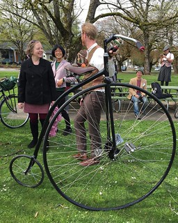 No #tweedride worth its salt can do without a #pennyfarthing #tweedpdx