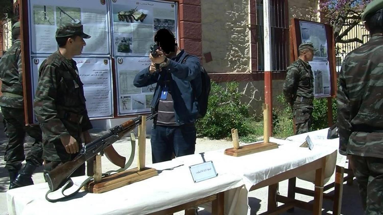 الصناعة العسكرية الجزائرية  [ AKM / Kalashnikov ]  33199694853_c891606bb9_o
