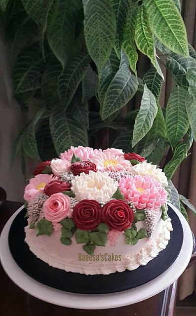 Floral Design Cake by Raeesa Fatima of Raeesa's Cakes