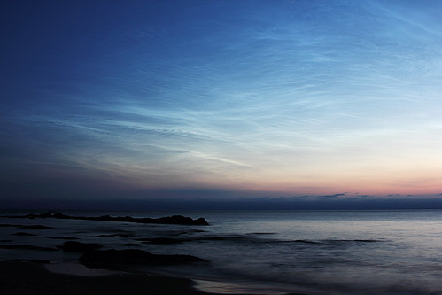 NOCTILUCENT CLOUDS 2013 JUNE 09 - 00:40 UT