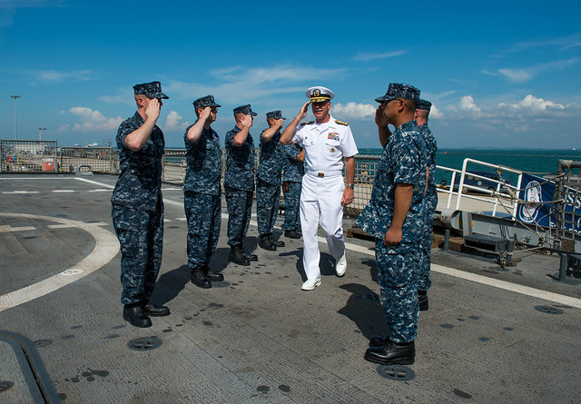 Commander US 7th Fleet Visits USS Freedom