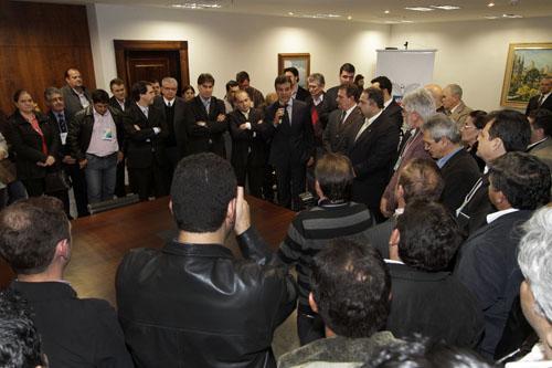 Governador Beto Richa reforça apoio aos municípios e repassa recursos a fundo perdido