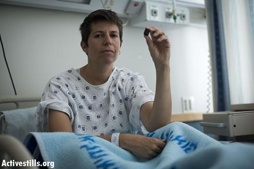 מיכאלי עם הקליע בבית החולים. צילום: אורן זיו, אקטיבסטילס