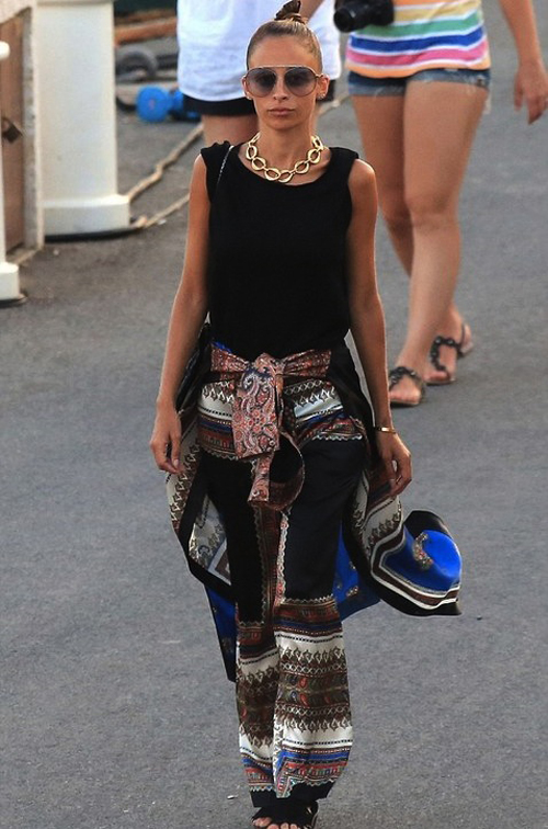 Nicole-Richie-St-Tropez-Givenchy-Silk-Print-Trousers