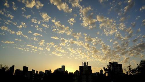 brazil orange yellow sunrise day laranja portoalegre amarelo riograndedosul amanhecer brasilemimagens pwpartlycloudy